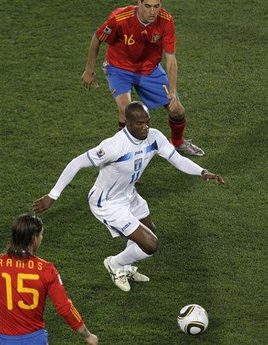 百米10秒5杀手迷失世界杯 足球终不是田径场