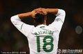 图文:西班牙1-0葡萄牙 阿尔梅达双手抱头