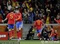图文:西班牙1-0葡萄牙 西班牙队员庆祝进球