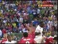 视频:加纳左准任意球传中 门萨头球稍顶偏