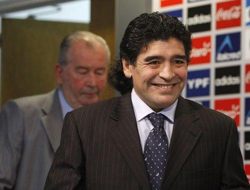 阿根廷内讧再升级 马拉多纳怒批主席多管闲事