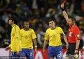 图文:巴西3-1科特迪瓦 卡卡获得红牌