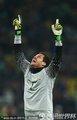 图文:巴西3-1科特迪瓦 塞萨尔双手指天