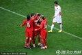 葡萄牙队员拥抱庆祝