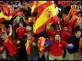 视频:西班牙疯狂庆祝夺冠 斯内德泪洒赛场