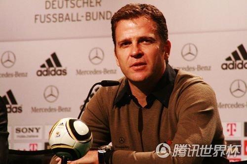比埃尔霍夫:期待小猪得金球 他是德国真领袖