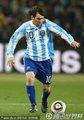 图文:阿根廷3-1墨西哥 梅西带球奔袭