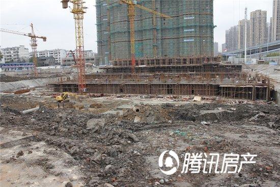 东方龙城清荷苑11月工程进度 1#楼地基正加紧建设中