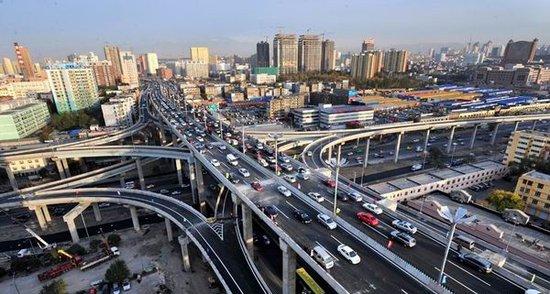 乌鲁木齐喀什等四城市获选交通管理示范城图片