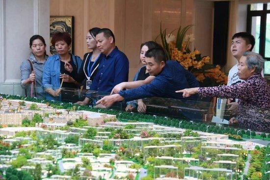 热烈开盘东湖观澜外墙恭贺劲销88套,材质2.2亿目前的别墅常用别墅产值的