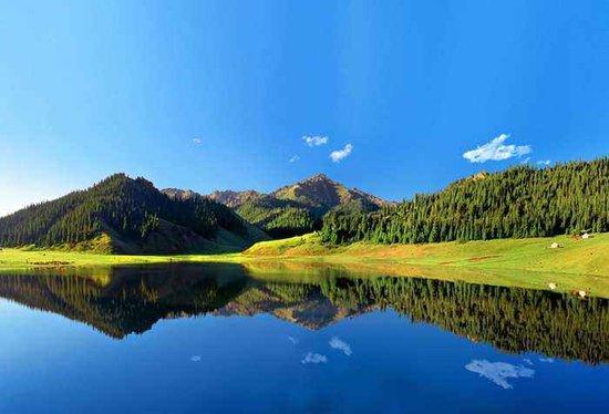 疆外疆内旅游都受热捧