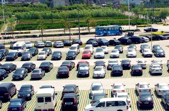 乌鲁木齐开展公共配建停车场摸底 市民遇到问题可及时举报