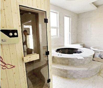 别墅浴室桑拿房