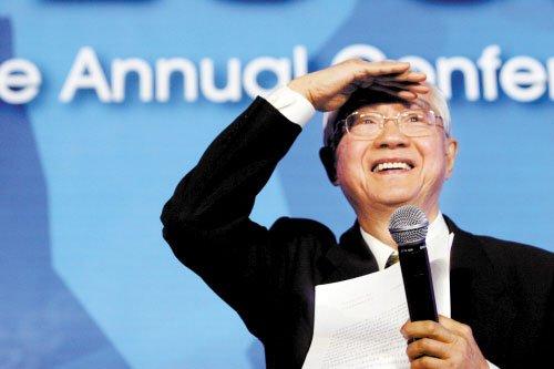 吴敬琏:中国经济今年将非常困难 房价还会涨_