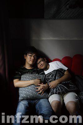 簡 評 : 首 對 大 學 生 同 性 戀 情 侶 廣 州 公 開 身 ...