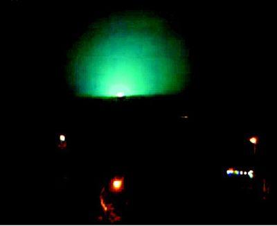 宝鸡现不明耀眼发光源 网友称是UFO残片