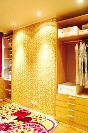 简易衣柜:简单几步轻松组装!