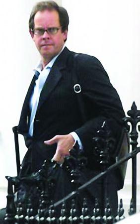 英国最牛基金经理1人独揽2290万英镑分红(图)