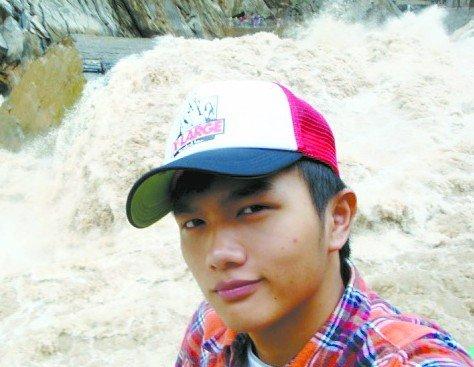 十八岁少年跳江勇救落水表姐 献出宝贵生命