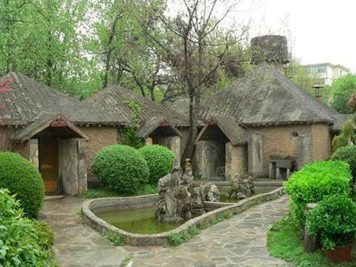 典型的母系氏族公社村落遗址 西安半坡遗址