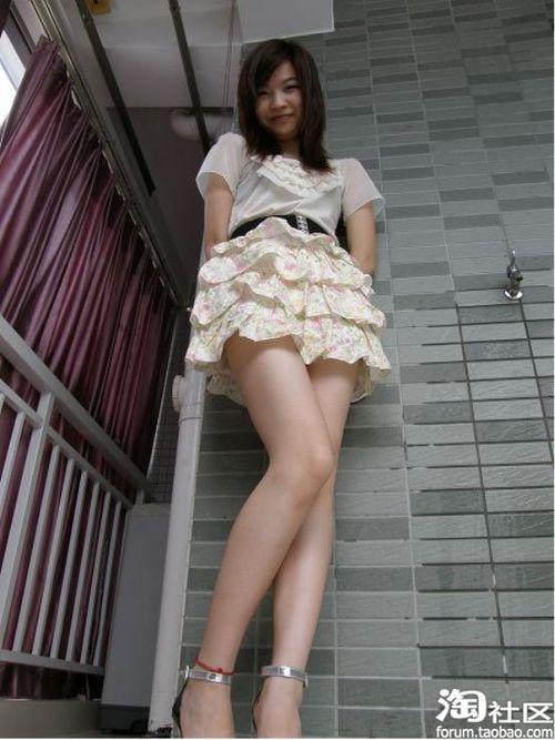 薄纱之裙与甜美笑容互相辉映