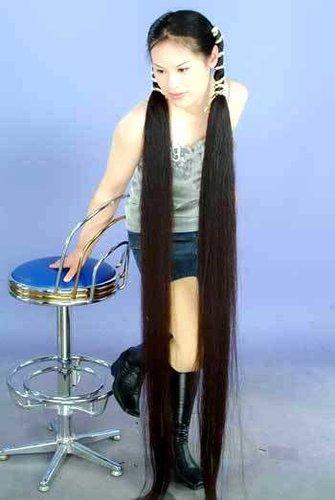 世界上头发最长的人图片
