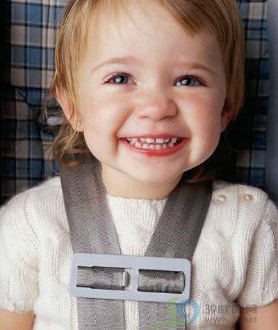 手把手教您 最正确的幼儿安全座椅乘坐方法