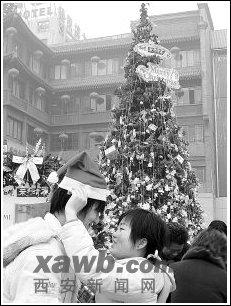 洋节的去留圣诞节过与不过的文化之争