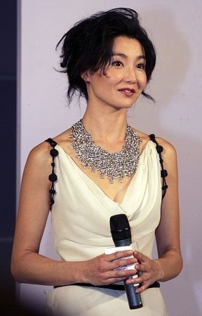 张曼玉息影六年再现大银幕 客串《全城热恋》