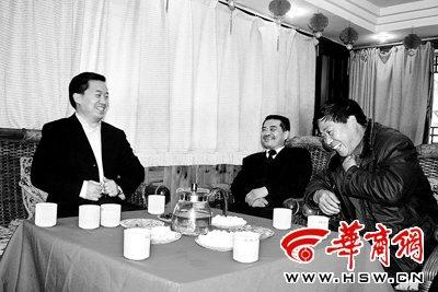 """安康市长方玮峰:专门机构理顺""""多头执法"""""""