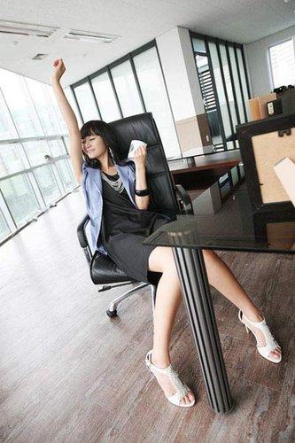 办公室座位禁忌:背门而坐或增心理紧张情绪