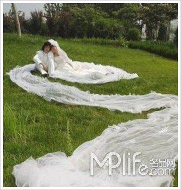 最长婚纱婚礼-最怪异的婚礼比比谁更牛