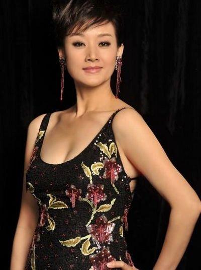 喜剧演员阎学晶-与赵本山有关的十个女星图片
