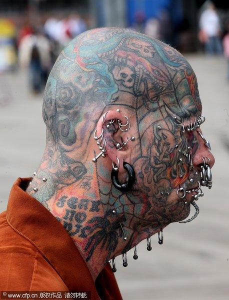 钢钉纹身达人脸部钢钉超百