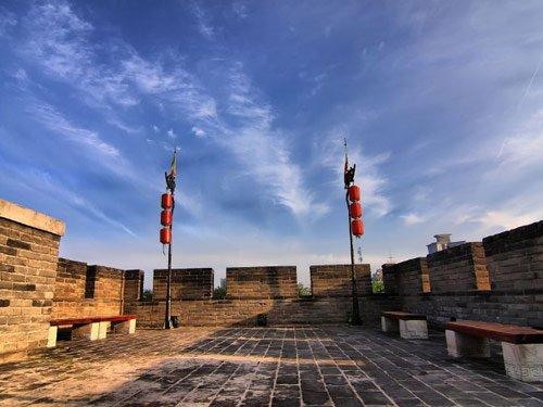 西安城墙的历史和新貌