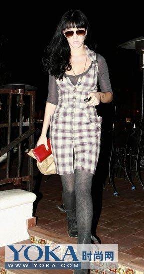 90后女星不穿秋裤穿丝袜店自助正品是情趣用品图片
