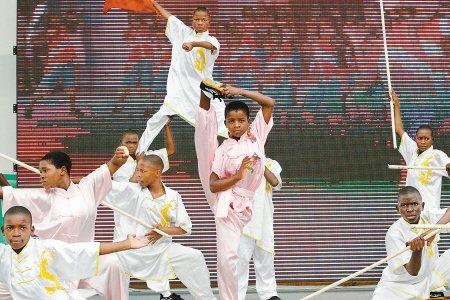 诵唐诗秀功夫 世园会非洲孩子感动中国观众