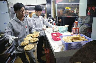 IT男辞职卖肉夹馍 研发半年用5000斤面粉和2000斤肉