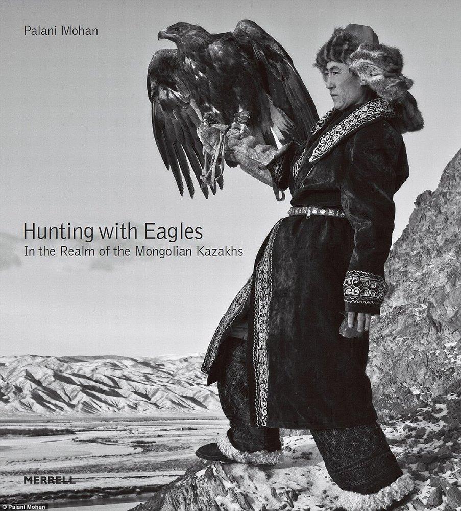 寻找消逝中的古老文化 澳大利亚摄影师记录猎鹰文化