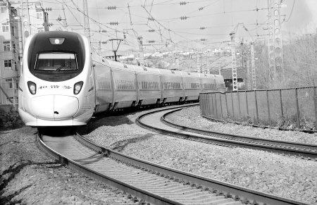 7月1日0时起 郑西高铁增开10对动车组列车