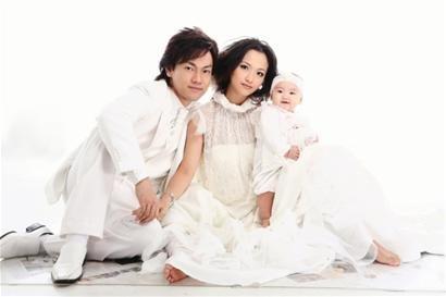 带上情趣一起拍宝宝婚纱最内衣秀透明上世界图片