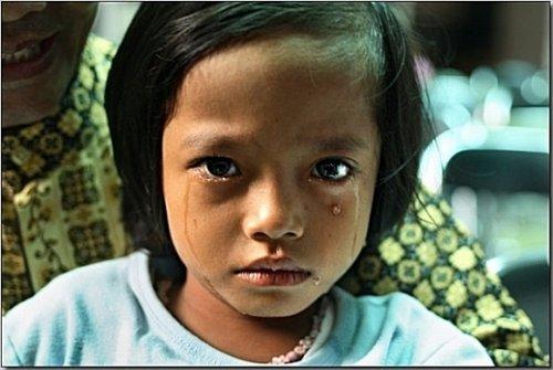印尼惨无人道女孩割阴手术