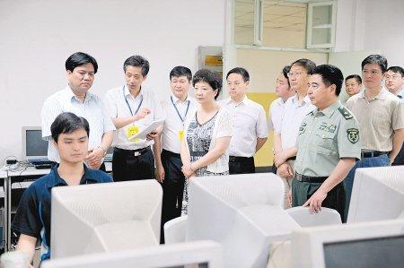 陕西高考阅卷一题两人评 评卷人为大中学教师