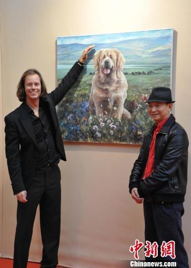 中国著名油画家藏獒画作再入巴黎大皇宫展览
