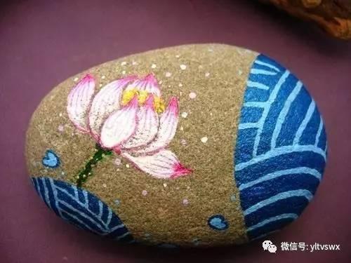 原来这些漂亮的手绘石头和手绘石头盆景全部都是山区贫困儿童们亲手绘