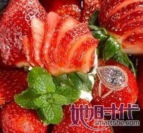 草莓水果拼盘-世界上最贵的甜品