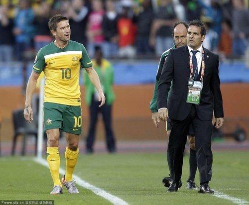 第9日特评:科威尔将生命献足球 请为他鼓掌