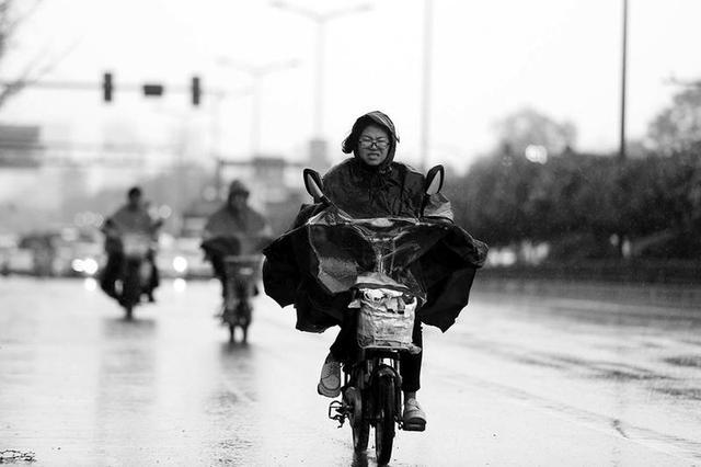 扬沙来了大风警报拉响 陕西省多地市有大风