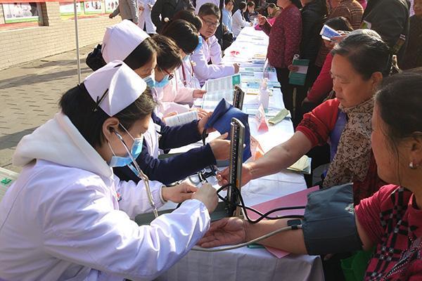 西安市第九医院专家团赴蓝田义诊 获患者好评