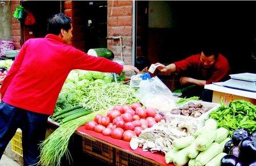西安菜价猛涨 大蒜飙至9.9元贵过后腿肉(图)